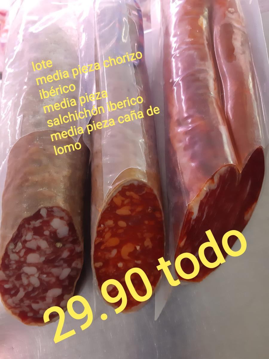 Tienen toda clase de carnes y chacinas, además, legumbres, salsas, aceites, sal, conservas, etc.