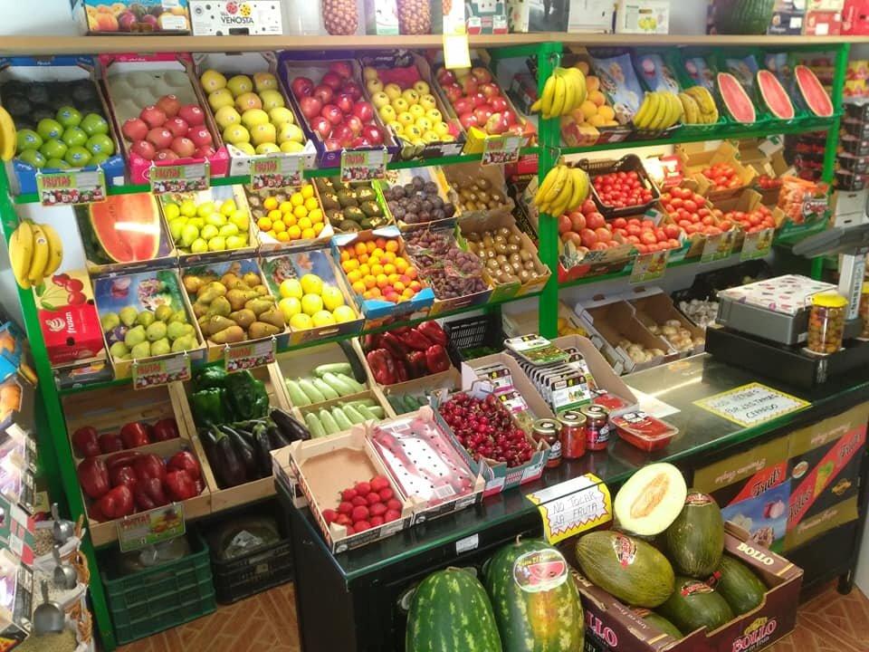 Todo tipo de frutas y verduras.