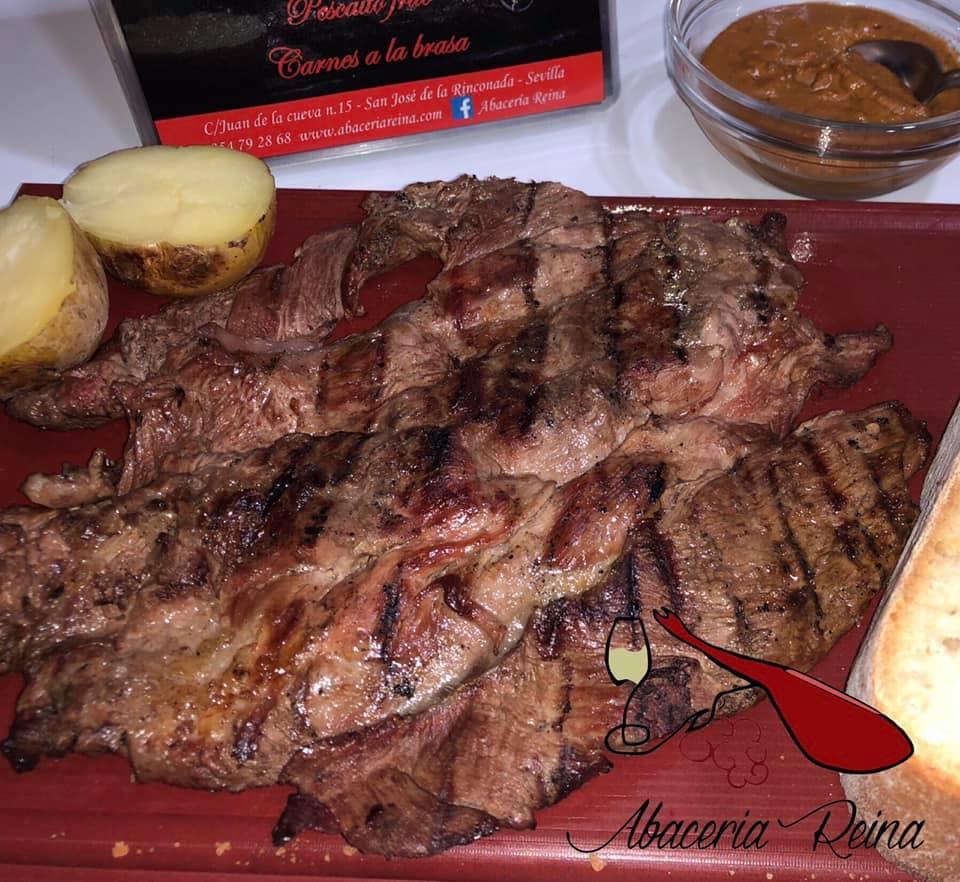 Carnes a la brasa, pescaito frito, chacinas, vinos a granel...