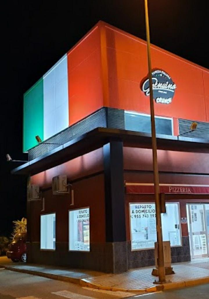 En Genuino Crunch te ayudamos a ser feliz. Con nuestra pizza italiana, artesanal y genuina, puedes satisfacer tu hambre, alegrar tu paladar y cuidar también de tu salud: nuestras pizzas no son pesadas y no molestan tu digestion dejandote dormir tranquilo. Genuino Crunch, la pizza que te hace feliz.  Zona de reparto: San José, La Rinconada y La Jarilla. ¡Sin pedido mínimo! Gastos de envío a domicilio: 1 €