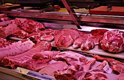 Amplia variedad en carnes, embutidos y congelados.